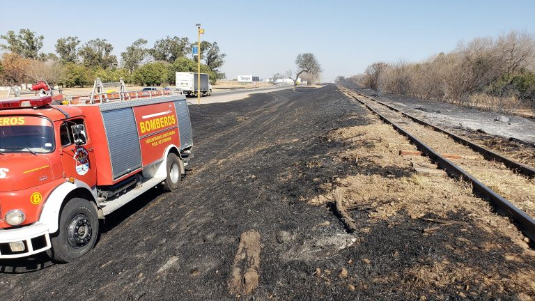 Incendio de pastizales en Ruta Nacional Nº9
